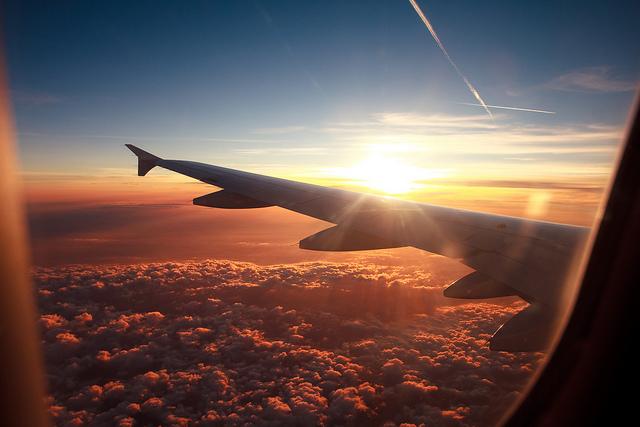 飛行機を選ぶ理由
