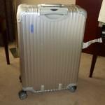 私がリモワのスーツケースを選ぶ理由!使いやすさや頑丈さを兼ね備えている