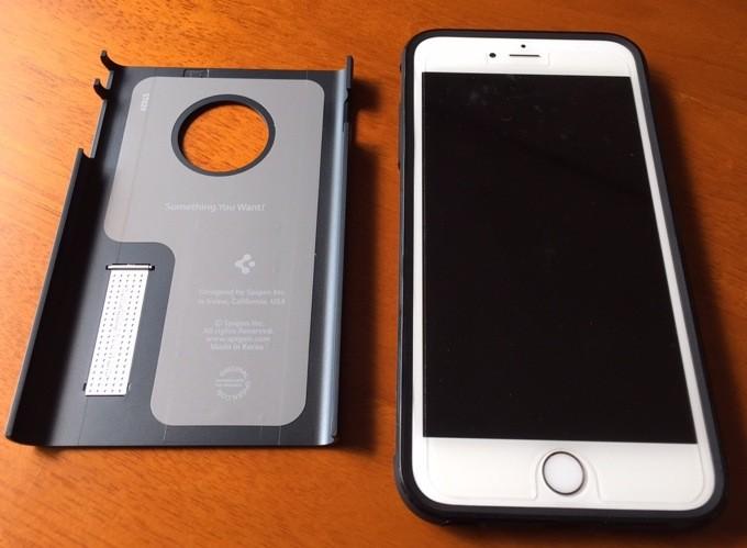 iPhone6 Plus スリム・アーマー装着