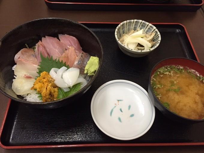 魚がし いくら海鮮丼