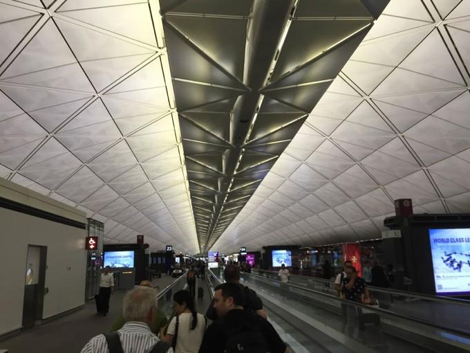 香港国際空港 盗難