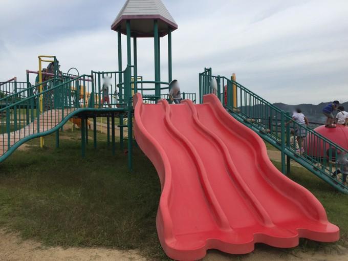 つばきの丘運動公園 滑り台