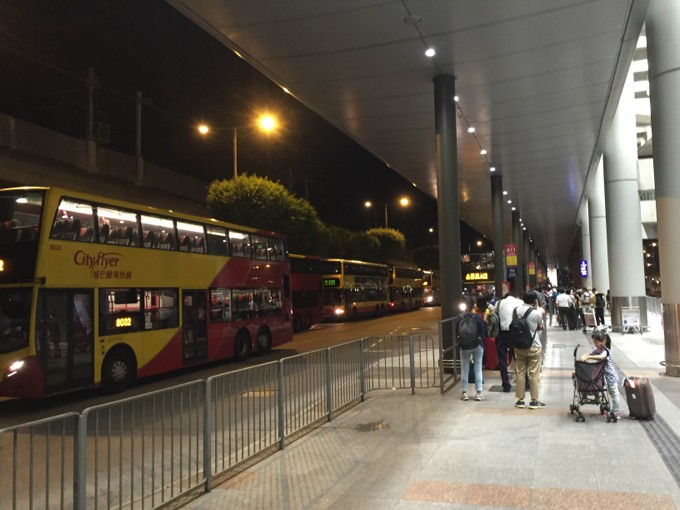 香港国際空港 バス