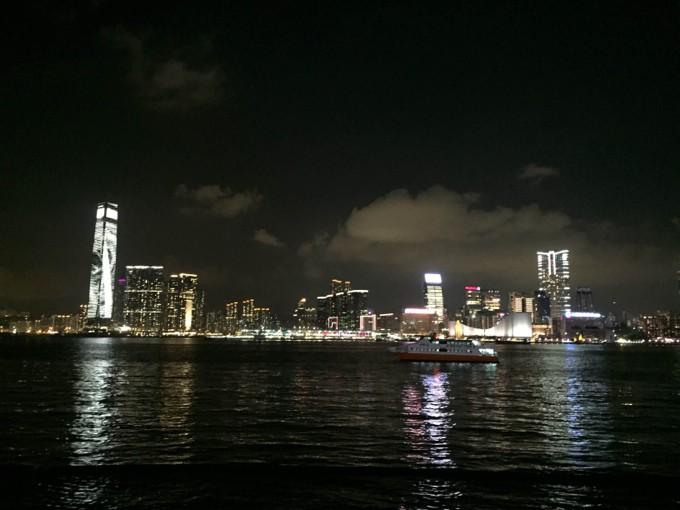 香港島から九龍半島