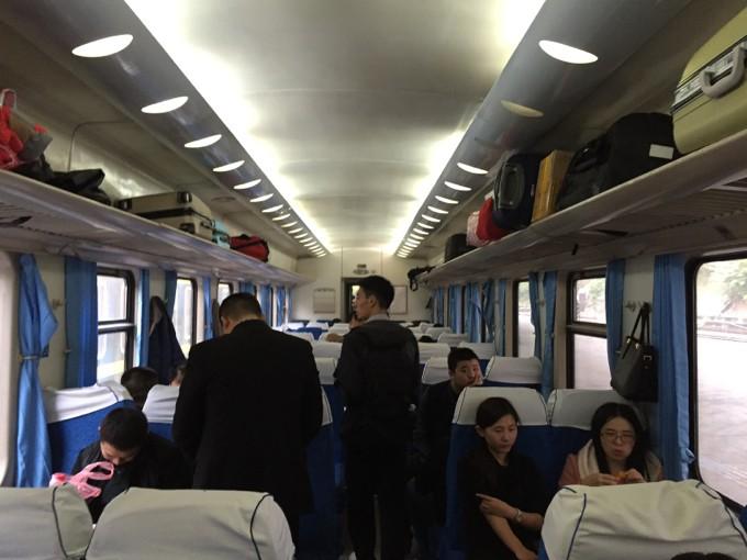 中国 列車 内部