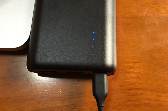 Anker PowerCore 20100 充電方法