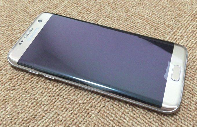 Galaxy S7 edge 表面