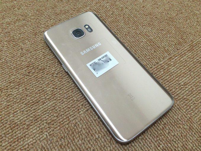 Galaxy S7 裏面 画像