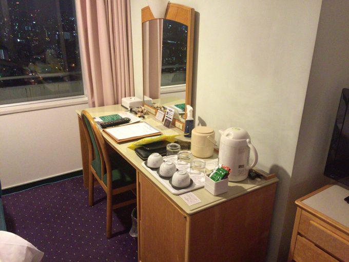 ホテル大阪ベイタワー 部屋 机