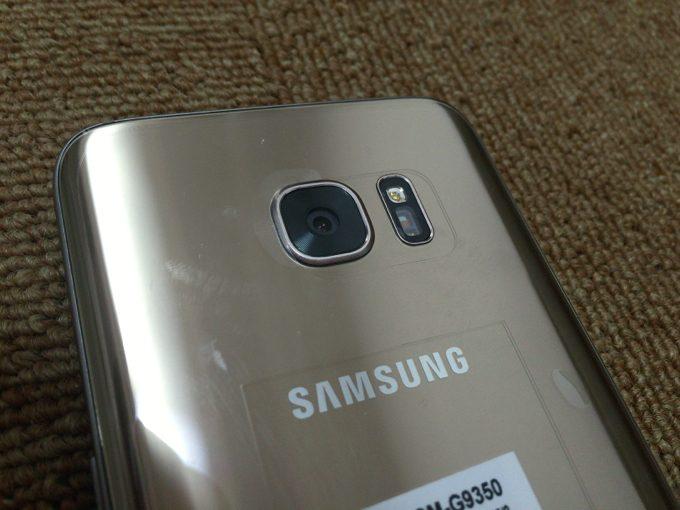 Galaxy S7 edge カメラ部分